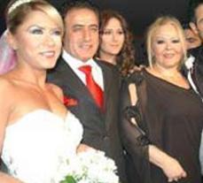 Daha sonra Mahmut Tuncer kızına telli duvaklı bir düğün yaptı.   Ancak Pınar Tuncer'in mutluluğu fazla uzun sürmedi. Genç kadın Şükrü Savaş Canbulut'tan tek celsede boşandı.