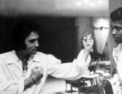Elvis Presley, Muhammed Ali'ye karşı...