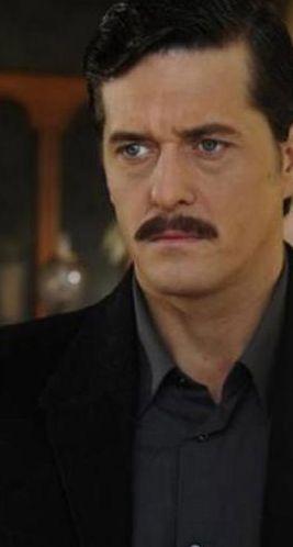 Mete Horozoğlu da dizi sektöründen farklı bir alandan seçti eşini.