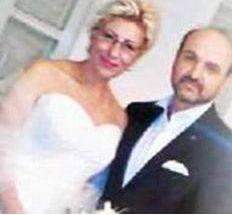 60'lı yaşlarının başındaki Atasoy bir süre önce kendisinden 23 yaş küçük olan gazeteci Hüseyin Ekinci evlendi.