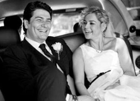Vatan Şaşmaz geçtiğimiz yaz Nurşen Kocayaş ile evlendi.