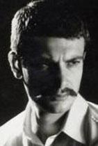 Sanatçı bir ailenin üyesi o da... Oyuncu Lale Oraloğlu onun kuzeni..