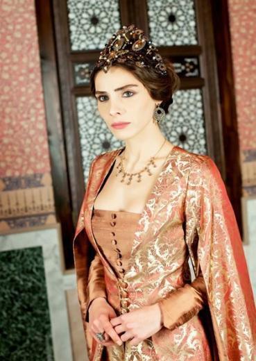 Muhteşem Yüzyıl'ın Mahidevran'ı Nur Fettahoğlu da, daha önce oyunculuk tecrübesi edinmişti.