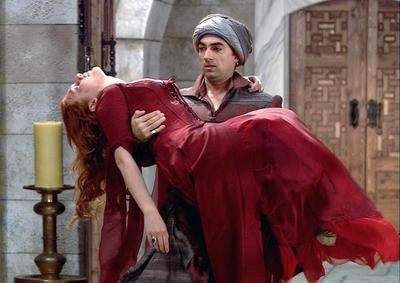 Selim Bayraktar bu rolüyle kariyerinde önemli bir viraj aldı.