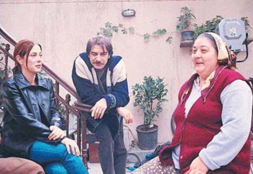Özgü Namal da Yeditepe İstanbul sayesinde tanındı.