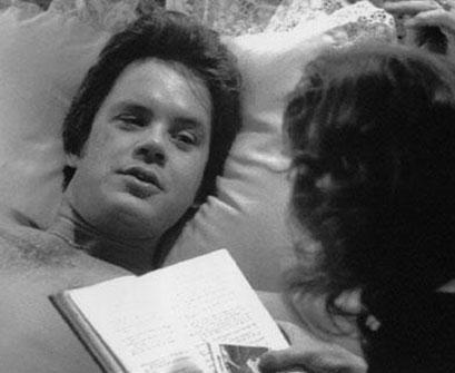 Susan Sarandon ve Tim Robbins, Bull Durham (Boğa Durham) filminin setinde aşık oldular birbirlerine. Sarandon ile Robbins'in uzun yıllar süren ilişkisi geçtiğimiz aylarda sona erdi.
