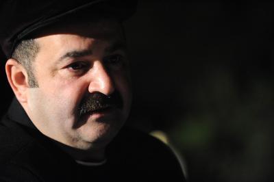 Ekranın güldüren yüzlerinden Şafak Sezer, aslen Erzincanlı.