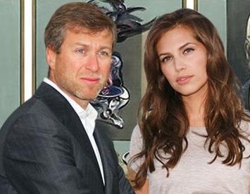Eski karısından yüklü bir tazminat karşılığı boşanan işadamı Roman Abramoviç de kumar tutkusuyla tanınıyordu.