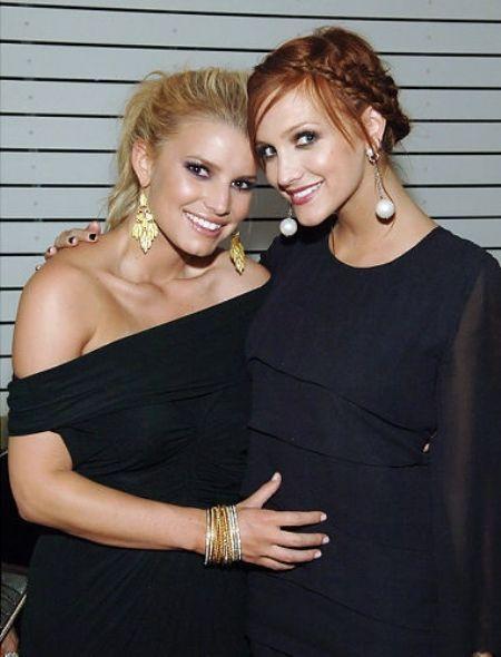 Ashlee Simpson and Jessica Simpson