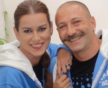 Ama şöhnet bu yuvayı dağıttı. Tuzcuoğlu ile Körmükçü boşandı. Körmükçü boşanmanın ardından yeniden evlendi.   Tuzcuoğlu da uzun süren bekarlık döneminden sonra Düriye'nin Güğümleri dizisindeki rol arkadaşı Yener Gürsoy ile evlendi.