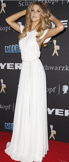 Goodrem'in Heidi Klum'a olan benzerliği dikkat çekti.