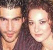 Dizide Kenan İmirzalıoğlu'nun canlandırdığı Ezel karakterinin gençliğini oynayan Filiz, eşine boşanma davası açtı.