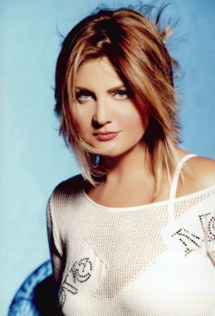 İŞİN SIRRI ZAYIFLAMA REÇETESİNDE Sibel Can'ın yeni albüm çıkaracağı zaman uyguladığı değişmez bir taktik var..