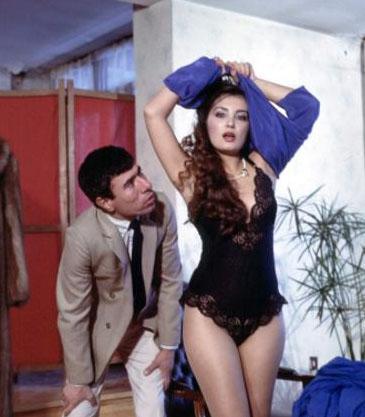 Türk sinemasının 'gamzeli güzel'i Bahar Öztan, sinemaya 1972 yılında Mahkum filmle başladı.