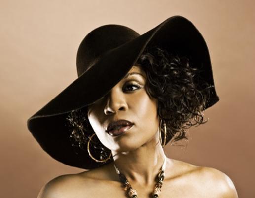 Brown'un hayatı, o dönem Hollywood'da büyük çalkantılar yaratan bu olayın ardından tamamen değişti. Olayla ilgili verdiği röportajlar ve konuk olduğu televizyon programlarından 1 milyon dolardan fazla kazanan eski hayat kadını, şimdi gerçek ismi Stella Thompson'u kullanıyor ve Atlanta'da nişanlısıyla birlikte bir müzik yapım şirketini yönetiyor.