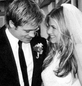 Pitt, Jennifer Aniston ile evlendi. Ama bu evlilik beş yıl sürdü.