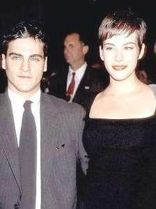 "Liv Tyler ve Joaquin Phoenix, 1997'de ""Inveting the Abbotts"" filmini setinde tanıştı."
