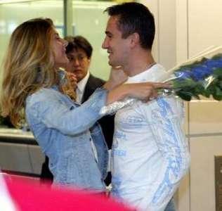 Manken Aysun Kayacı ile futbolcu Emre Aşık uzun süre birlikte yaşadı.