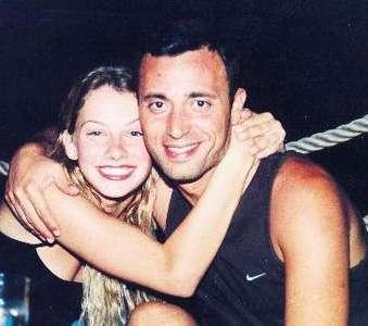 Popçu Mustafa Sandal'ın bilinen en medyatik aşkı manken Tuba Ünsal ile yaşadığı birliktelikti.