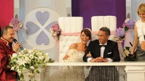 Erol ile Sözbir'in nikahına tüm Türkiye davetliydi.. Çİftin mutlu günü canlı olarak yayınlandı.