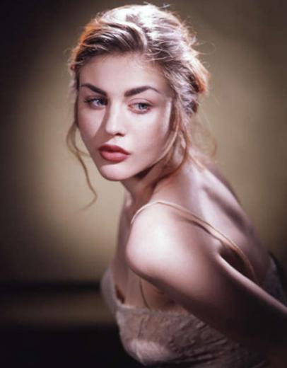 Babasını 2 yaşındayken kaybeden Frances Bean Cobain, şimdi 19 yaşında bir genç kadın.