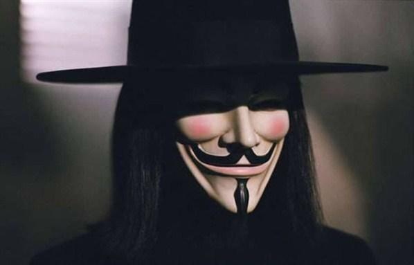 Hugo Weaving - V for Vendetta / V