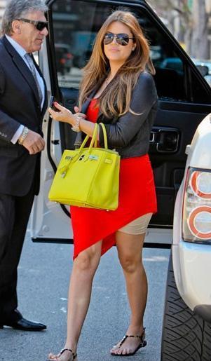 Khloe Kardashian korsesi ortaya çıktı.