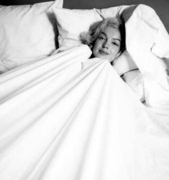 Monroe, döneminin en ünlü fotoğrafçılarının da gözdesiydi.