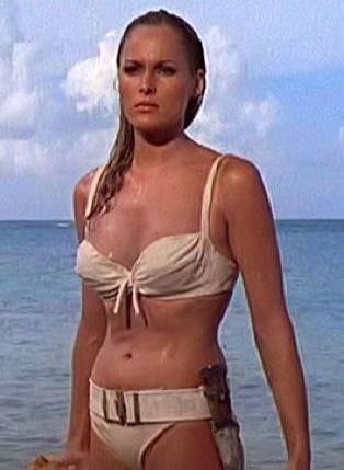 İşte sinemanın ilk Bond kızı...