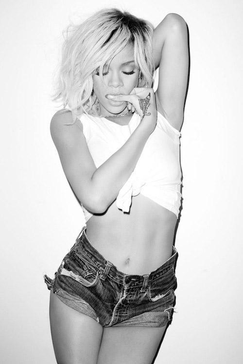 Bikinili Rihanna - 125