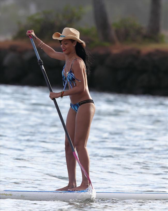 Bikinili Rihanna - 162
