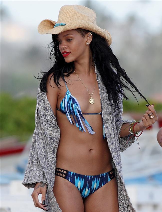 Bikinili Rihanna - 178