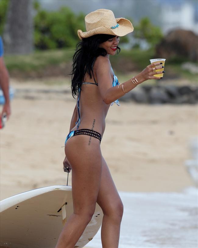 Bikinili Rihanna - 181