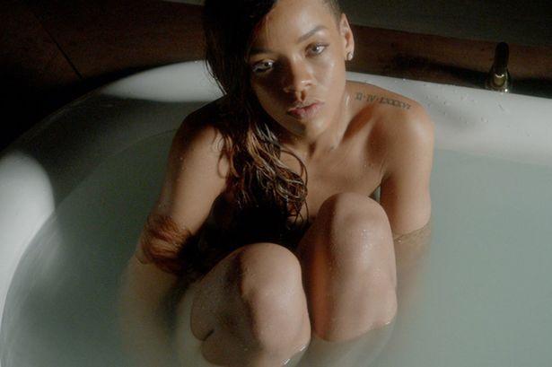 Bikinili Rihanna - 72