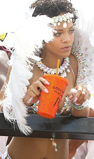 Bikinili Rihanna - 9