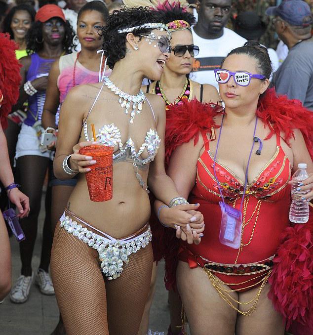Bikinili Rihanna - 22