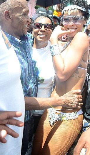 Bikinili Rihanna - 23