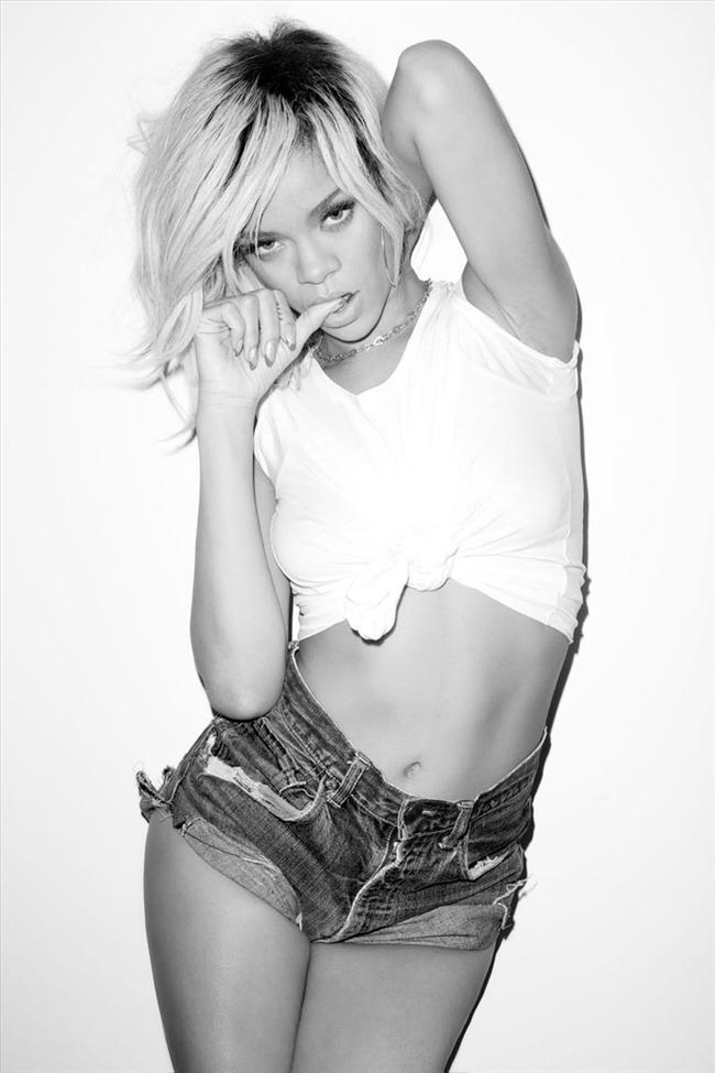 Bikinili Rihanna - 134