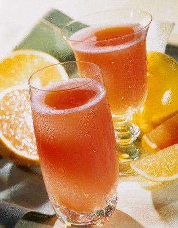 C vitamini   Neye yarar?: Katarakt ile meme ve mide gibi bazı kanser türlerine yakalanma riskini azaltır. Dozu: 31+: 75-90 mg   Kaynak besinler: Turunçgiller, brokoli, dolmalık biber, lahana, çilek.