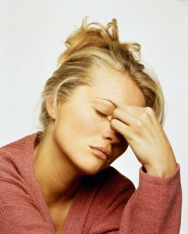 8) Baş Dönmesi:    Sersemlik hissi gelir. Kendisini rüyada gibi hisseder.