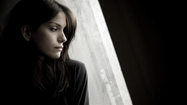 9) De Realizasyon:    Gerçek dışılık duygusu. Biriyle oturup konuşurken o ve mekan, gerçek dışı gibi gelir. Gerçeklik duygusu kısa bir zaman için kaybedilir.