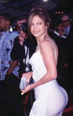 Sıradan insanlar için ev ya da araba gibi mal varlıklarını sigorta ettirmek son derece doğal... Ama gösteri ve spor dünyasının bazı ünlüleri öyle akla hayale gelmedik yerlerini sigortalattırıyorlar ki... İşte bunbara bir örnek de şarkıcı ve oyuncu Jennifer Lopez..