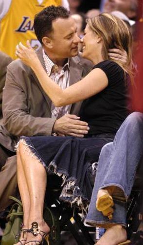 Tom Hanks ve Rita Wilson'ın uzun süredir evli olması da romantizme engel değil.