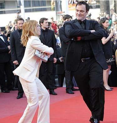 Cannes Film Festivali'nin kırmızı halısından bir görüntü.