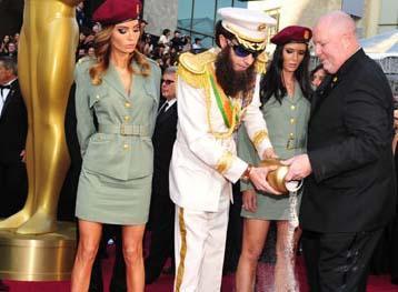 Sacha Baron Cohen bu yılki Oscar ödül törenine şakasıyla damga vurdu.
