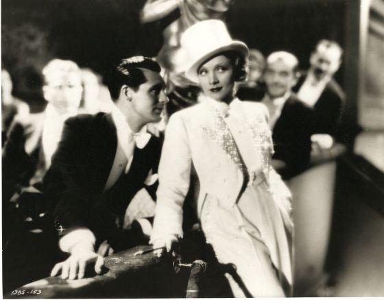 Marlene Dietrich külliyatında konumuzla ilgili işlev veren bir eser.