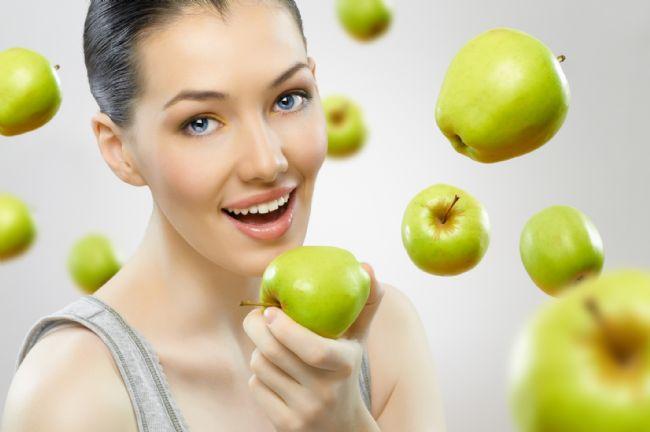 1 haftalık örnek Venüs Diyeti:  1.GÜN  KAHVALTI:   1 su bardağı ½ yağlı süt  4-5 yemek kaşığı sade yulaf ezmesi  1 yemek kaşığı yaban mersini + 6 adet dövülmüş fındık Karışım halinde tüketilecek  ARA ÖĞÜN: 1 orta boy elma  ÖĞLE YEMEĞİ:   1 tatlı kaşığı zeytinyağı eklenmiş ve limon sıkılmış yeşil salata   Ortalama 100-150 gr kadar ızgara edilmiş tavuk  1 kase kaymaksız yoğurt  1 dilim tam buğday ekmeği  ARA ÖĞÜN: 1 adet kuru incir+1 adet ceviz  AKŞAM YEMEĞİ:   1 kase sütlü brokoli çorbası,             1 porsiyon zeytinyağlı pazı  1 kase kaymaksız yoğurt  1 dilim tam buğday ekmeği   ARA ÖĞÜN:1 orta boy armut