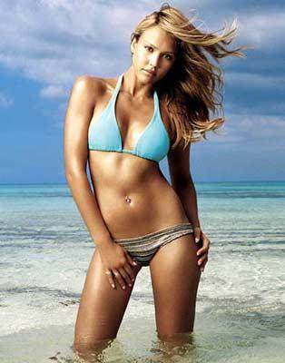 Jessica Alba:  Jessica Alba güzelliğini ve ince görünümünü beslenmesine gösterdiği özene borçlu. Güne meyve ve yulaf ağırlıklı bir kahvaltıyla başlayarak sindirim sisteminin hareketlenmesini sağlayan yıldız, her gün balık tüketiyor ve akşam yemeklerini salata ile geçiriyor.