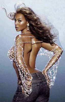 Beyonce:  Yıllar önce verdiği 10 kilonun ardından daha çekici görünmeyi başaran Beyonce, vücudunun sarkma ihtimaline karşı her gün en az yarım saat masaj yaptırıyor.