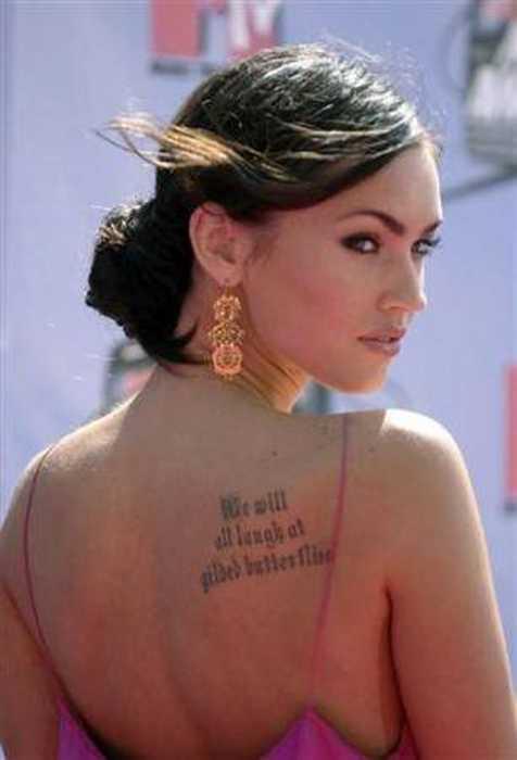 Son yıllarda ünlüler arasında dövme merakı bulaşıcı bir hastalık gibi hızla yayılıyor. Bir kez dövme yaptıran asla bir taneyle yetinmiyor.